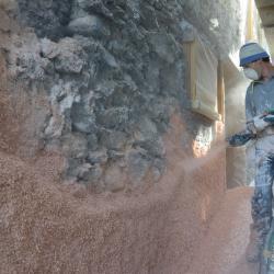 Doublage chanvre extérieur sur murs en pierres