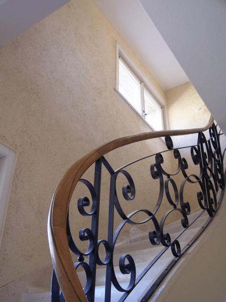Enduit chanvre dans cage d'escalier