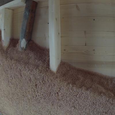 Isolation répartie en chanvre avec ossature bois