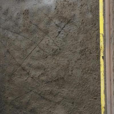 Beton terre projete brut