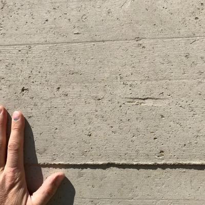Beton terre projete brut decoffre
